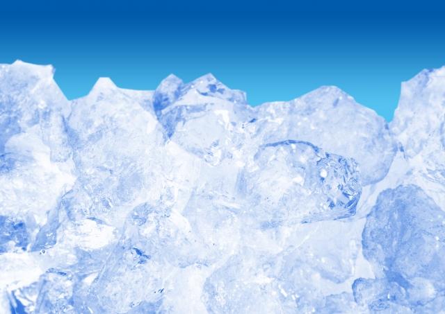 冷たそうな氷