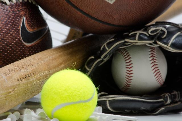 テニスボールと野球ボール